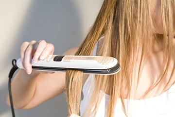 Утюжок - агрессор для волос
