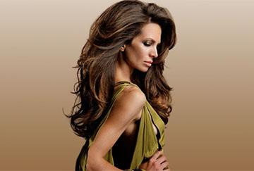 Прикорневой объем на длинных волосах
