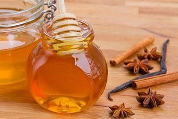 Корица и мед для осветления волос