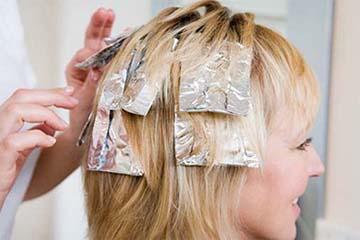 Окрашивание волос под фольгу
