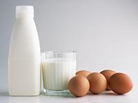кефир и яйца - компоненты маски