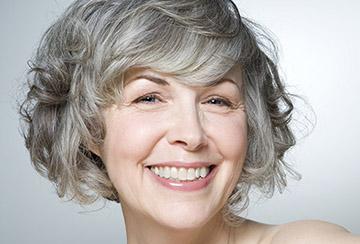 Седые волосы - стоит ли выдергивать