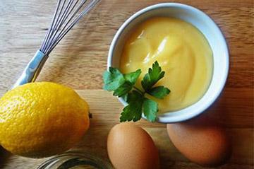 Маска с лимоном, яйцом и майонезом