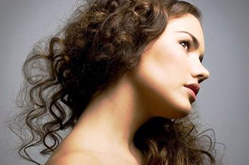 Как правильно сушить вьющиеся волосы